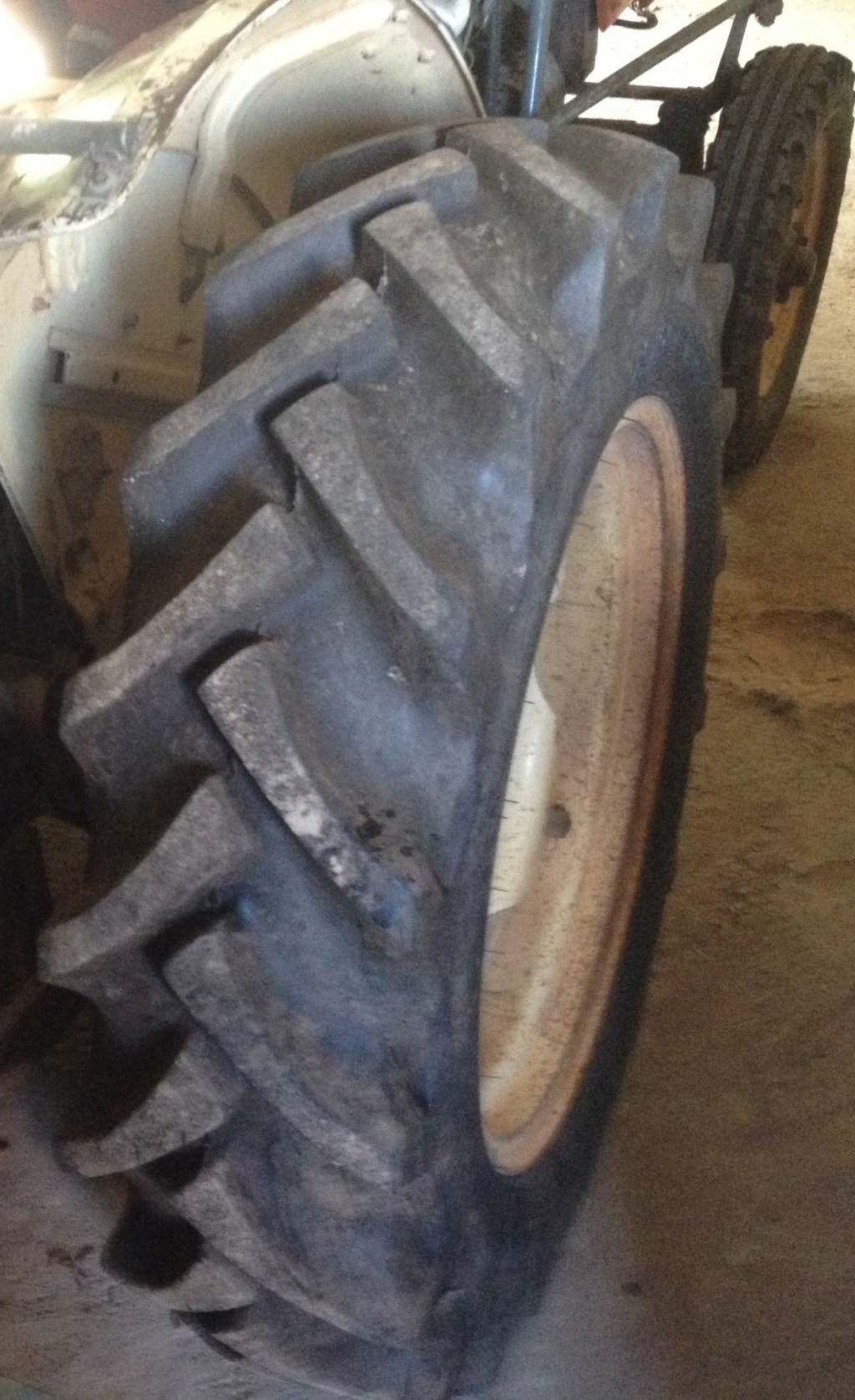¿Qué marca neumáticos le pones a tu tractor? - Página 3 Ww10