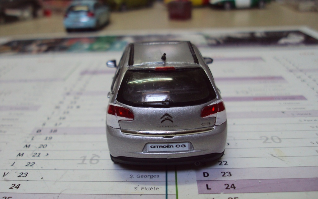 voitureminiature - NOUVEAUTE DANS MA COLLECTION - Page 2 Dsc04235