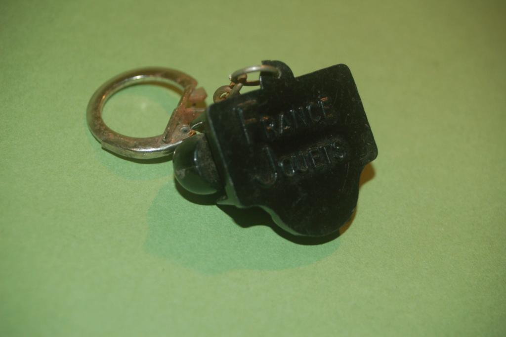 Porte clés publicitaires anciens - Page 3 Dsc_0711