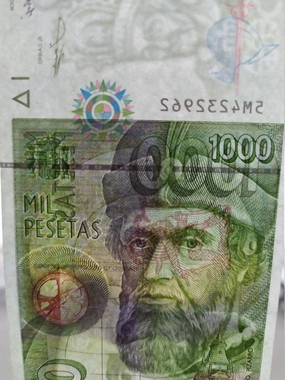 Duda en billete de 2000 pesetas 1992 - banda magnética color verde Img_2012