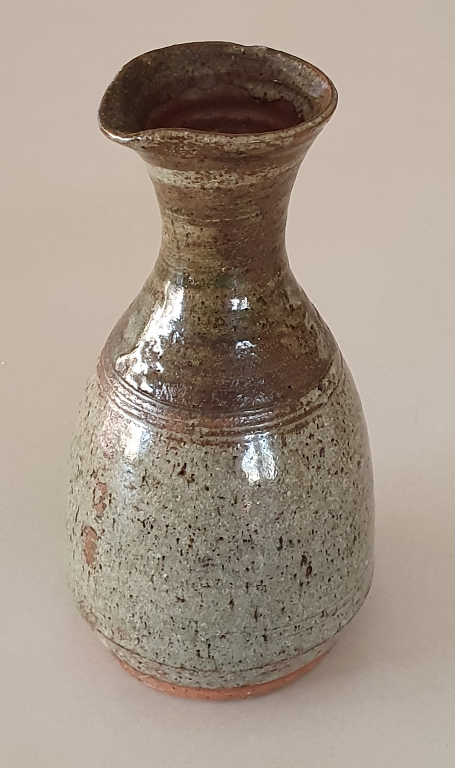 IDENTIFACATION NEEDED on 2 Australian pots with same mark 20200113