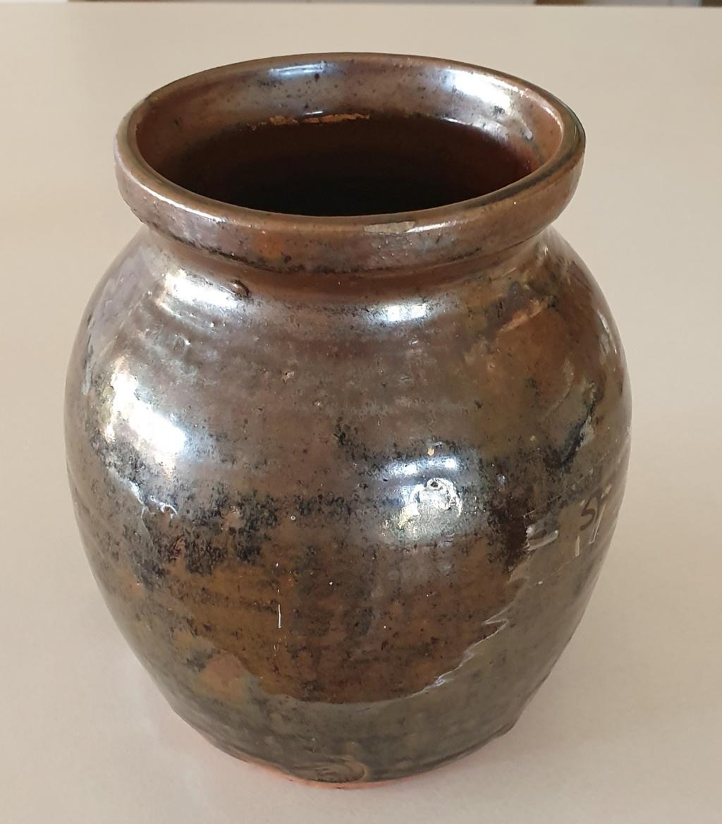 IDENTIFACATION NEEDED on 2 Australian pots with same mark 20200117