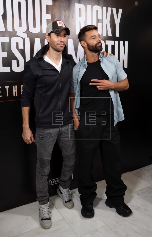¿Cuánto mide Ricky Martin? - Altura - Real height - Página 2 Imagen10