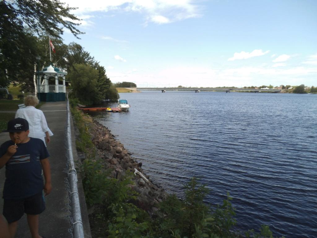 Petite balade autour du lac St-Jean. Dscf3576