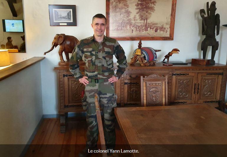 """Colonel Lamotte, chef de corps du 17e RGP : """"Barkhane, une opération difficile et exigeante"""" 17e_rg10"""