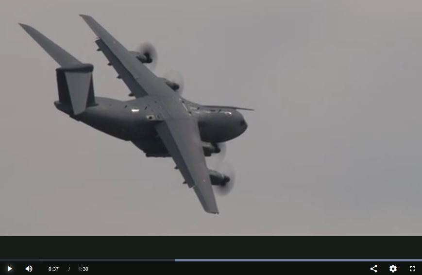 L'A400M, un géant dans le ciel d'Issoire pour le dernier jour de Cervolix A400m_10