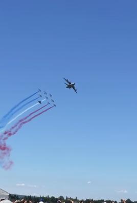 BASE AÉRIENNE 115 ORANGE-CARITAT A400M Atlas escorté par la Patrouille de France  A400m_10