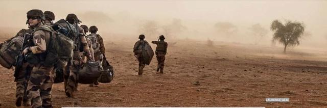 Au cœur de la guerre antiterroriste avec les soldats de la force « Barkhane » Barkan10