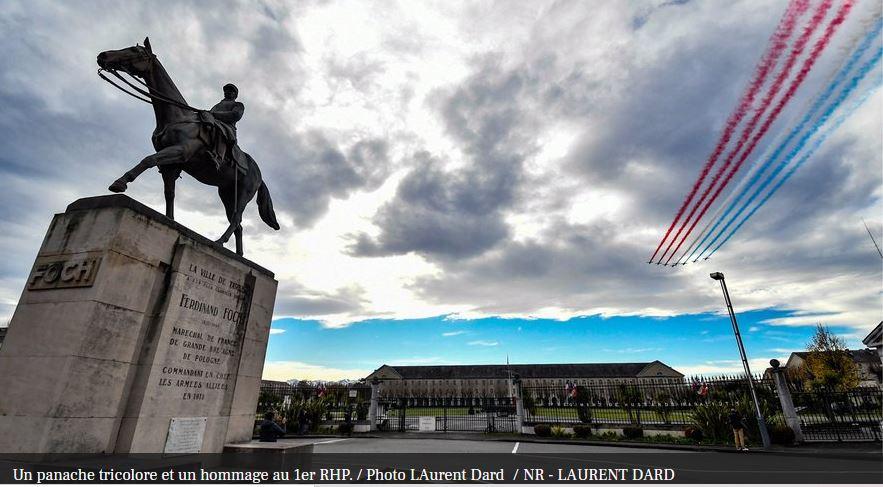 L'hommage de la Patrouille de France à nos soldats tombés en Opex Hommag11