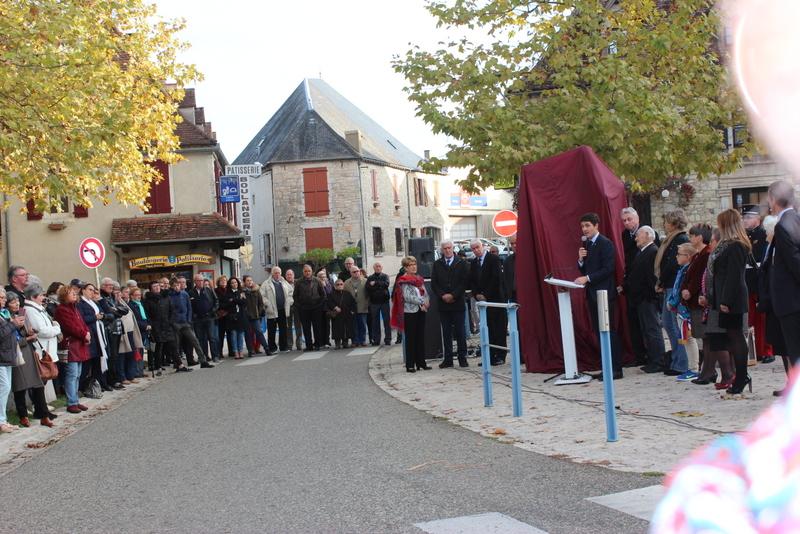 Joachim Murat Inauguration à Labastide-Murat - L'inauguration de la statue en présence de la Musique des parachutistes de Toulouse. Img_8910