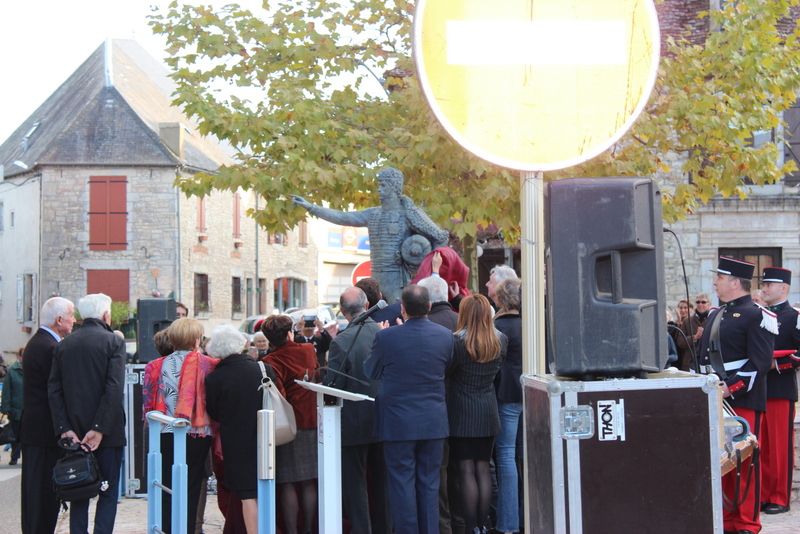 Joachim Murat Inauguration à Labastide-Murat - L'inauguration de la statue en présence de la Musique des parachutistes de Toulouse. Img_9010