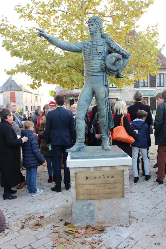 Joachim Murat Inauguration à Labastide-Murat - L'inauguration de la statue en présence de la Musique des parachutistes de Toulouse. Img_9011