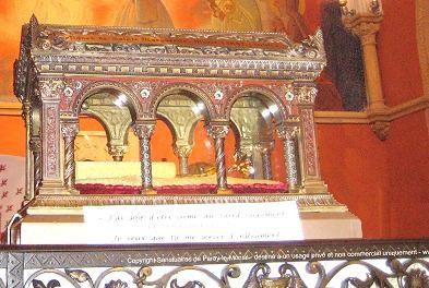Mois de Juin = Dévotion au Sacré Coeur Reliqu10