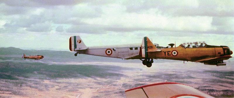 Photo de T6 et Ju-52 en 1958 En-tet10