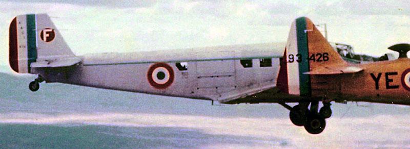Photo de T6 et Ju-52 en 1958 Ju-5210