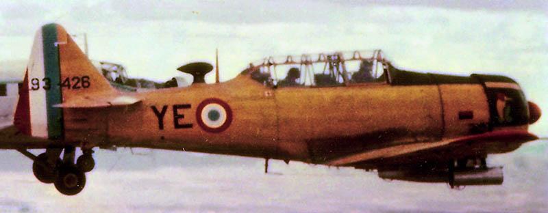 Photo de T6 et Ju-52 en 1958 T6-110