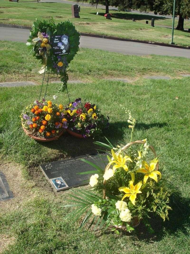 2008 fleurs pour lGene Vincent  12 octobre - Eternal Valley - Page 2 10-12-10