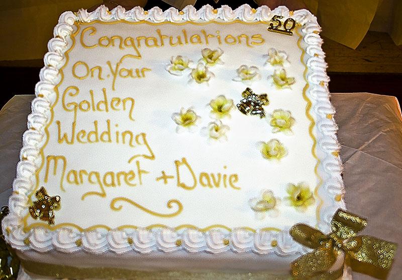 The Golden Wedding Cake10