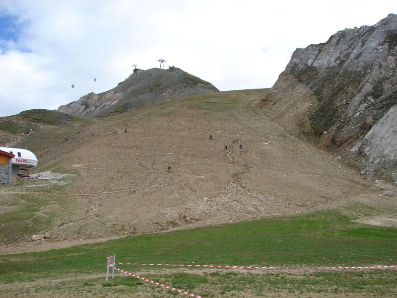 Balade sur la ligne de crête entre Tignes et Val - Page 2 Dsc03010