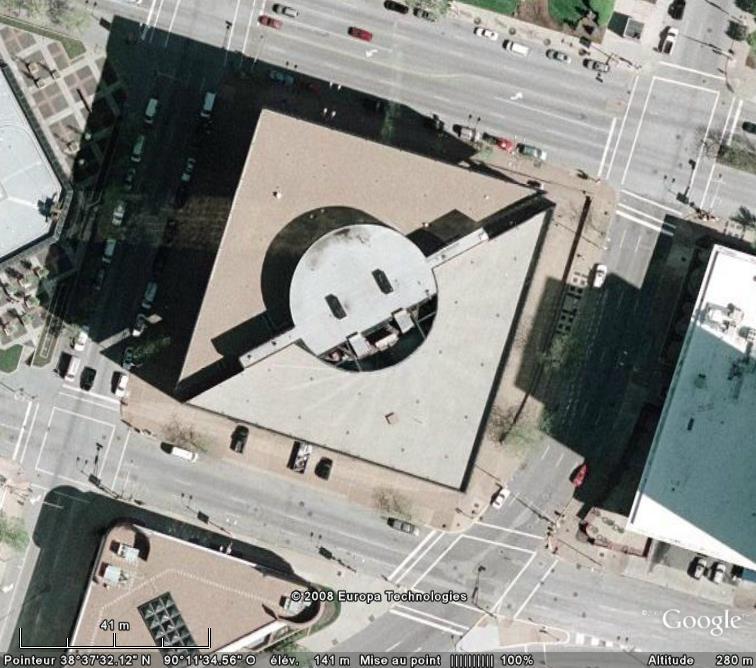 Les objets familiers vus sur Google Earth : écrous - tapis - planche... & caetera - Page 2 Prise_10