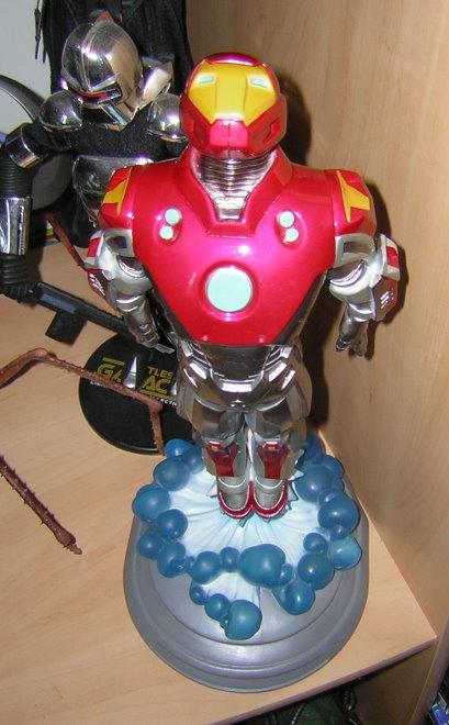 Les robots - Page 6 Iron_m10