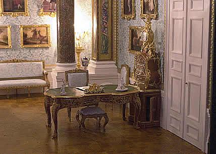 Le Cabinet D'ambassade - Présentation- A-sans10