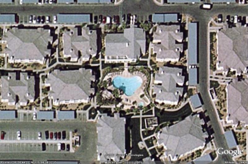 Les piscines du Monde découvertes avec Google Earth - Page 5 Piscin10