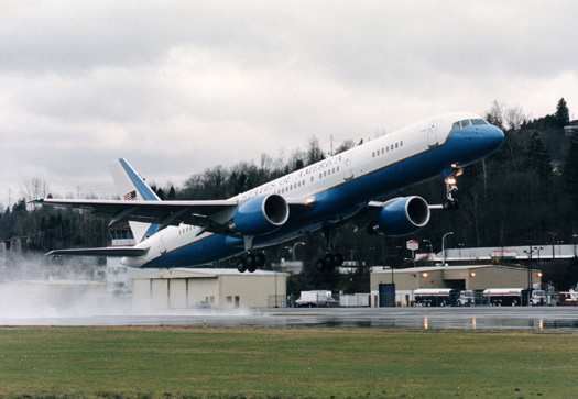 Air force One - Page 2 C-3210