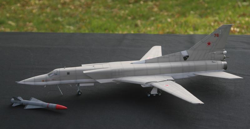 """Tupolev Tu-22M """"BACKFIRE C"""" [1:72 - Italeri] Tu22m_17"""