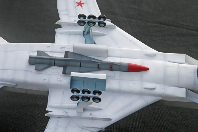 """Tupolev Tu-22M """"BACKFIRE C"""" [1:72 - Italeri] Tu22m_21"""