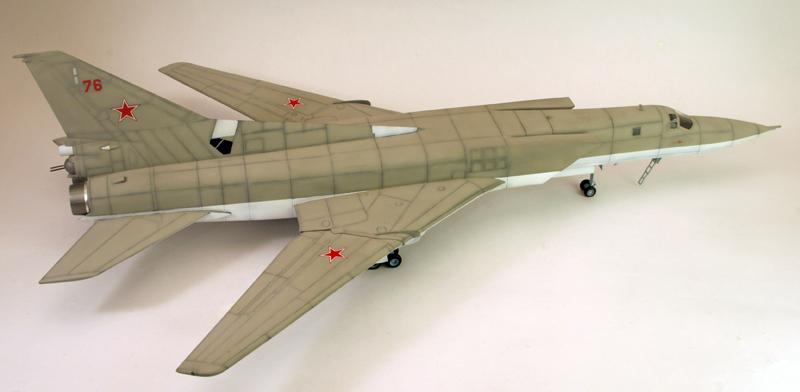 """Tupolev Tu-22M """"BACKFIRE C"""" [1:72 - Italeri] Tu22m_24"""
