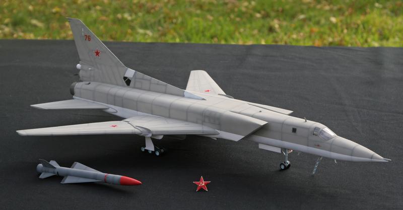 """Tupolev Tu-22M """"BACKFIRE C"""" [1:72 - Italeri] Tu22m_26"""