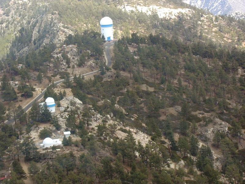Observatoires astronomiques vus avec Google Earth - Page 6 San_pe14