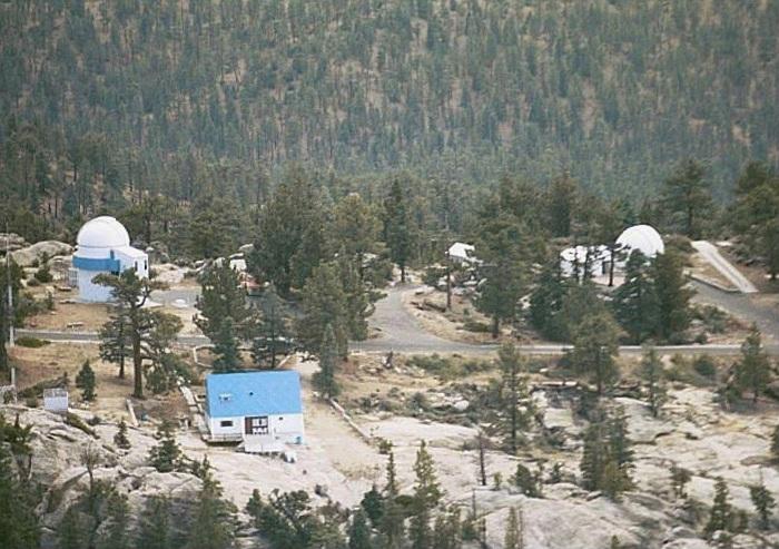 Observatoires astronomiques vus avec Google Earth - Page 6 San_pe15