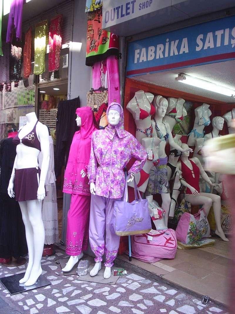 El Burquini, bañador para musulmanas, desata la polémica Turqui10