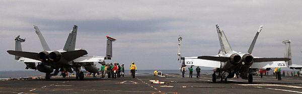 Navy Aircraft : F18 Hornet & Super Hornet - E-2 Hawkeye ... Web_0713