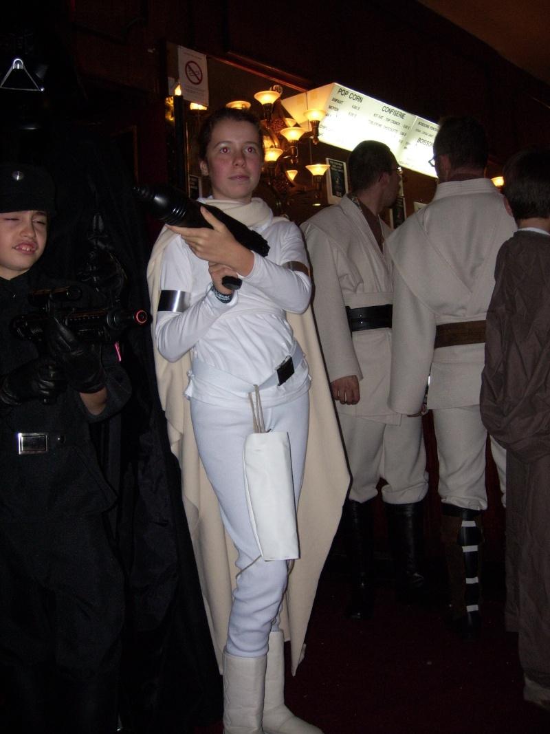 Rendez-vous à Star Wars Réunion Paris 27-28 Octobre 2007 - Page 11 Padme_14
