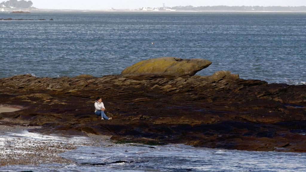 """On ne montre pas du""""doigt""""ou regarder c'est valable pour ce rocher ? Dsc_0201"""