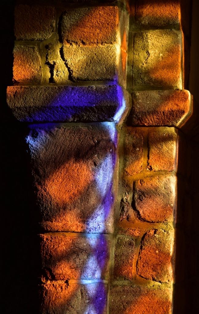 Vieilles pierres aux couleurs chatoyantes ! Dsc_2129