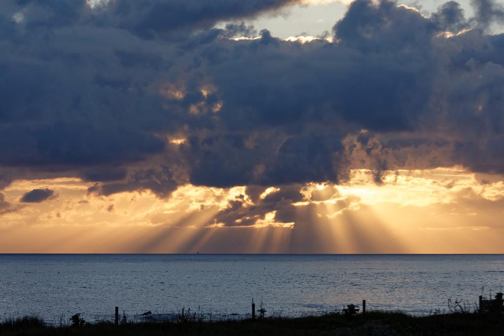 Couché de soleil sur la mer ! Dsc_3631