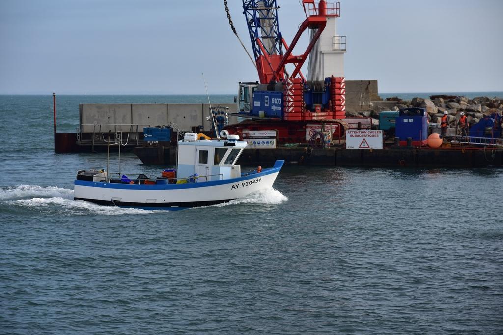 Pendant le chantier la pêche continue !  Dsc_4855