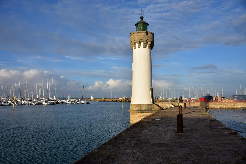 Ambiance fin de journée sur le port ! Dsc_5813