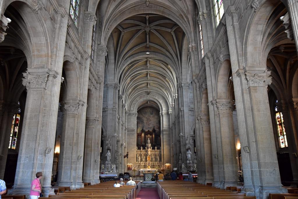 Basilique Saint Anne d'Auray +statues Dsc_6522