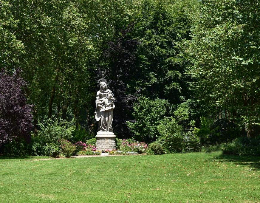 Basilique Saint Anne d'Auray +statues Dsc_6523