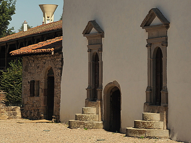 des portes et un chateau P9150011