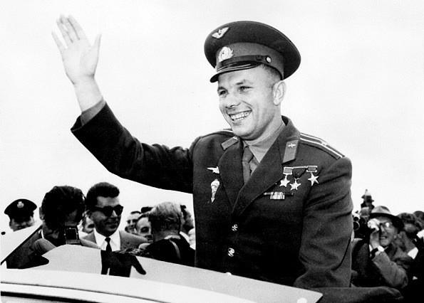 Gagarine à Toulouse en 1965 Youri-10