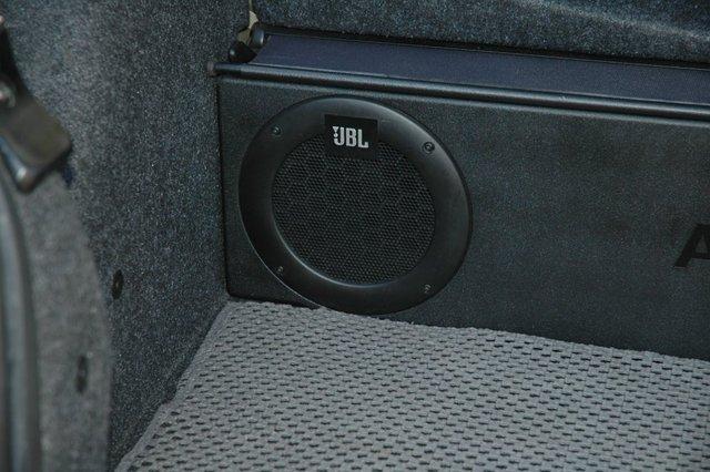 Fixation du Caisson JBL D'origine 09ry510