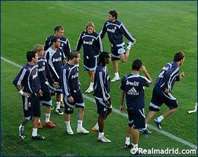 صور تدريب ريال مدريد 16/10/2007 E6703710