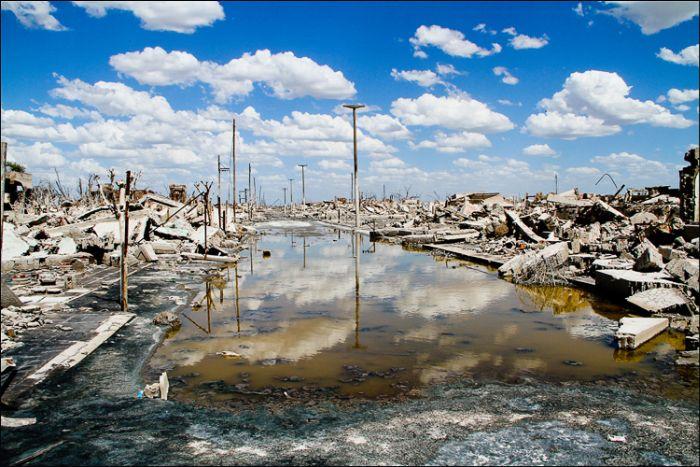 Epecuén : une cité argentine avalée par les eaux Town_010