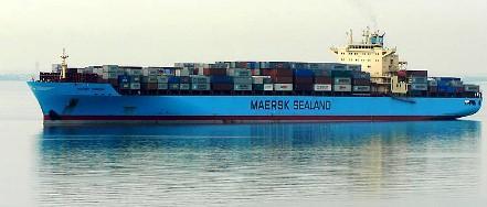 Πρόσεχε! Ένας ηλίθιος  στην πλώρη σου... Maersk10